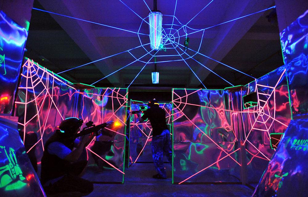 team building attività lasertag
