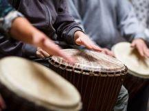 Fai andare il tuo team allo stesso ritmo con il Drumming Team Building di Made In Team